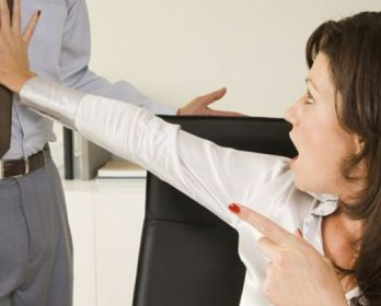 مدير بابن جرير يتحرش و يعلق فضيحته على مشجب إهانته موظفا عموميا.