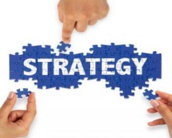 على طرف لساني : استراتيجية الإنشاء و التسخير بابن جرير.